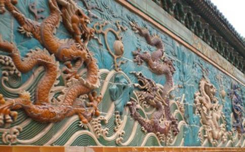 300吨的九龙壁在当时古代是如何运到故宫的?有什么工具吗?
